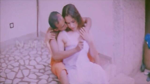 सेक्सी नौसिखिया - सेक्सी मूवी हिंदी में एचडी लैपडांस और सेक्स