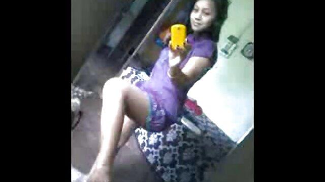 मोना पोज़ज़ी सेक्सी फिल्म फुल एचडी में इलोना स्टैलर मुंडियल सेक्स