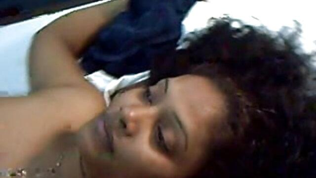 सास अपने बड़े लंड पर कूदती है जैसे उसकी पत्नी छोड़ती हिंदी में सेक्सी मूवी वीडियो में है