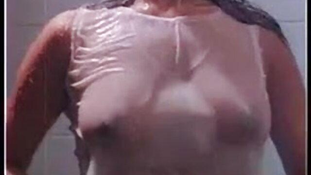सुनहरे बालों वाली यूरो सेक्सी मूवी सेक्सी मूवी हिंदी में वेश्या एक पर्यटक छड़ी चूसने
