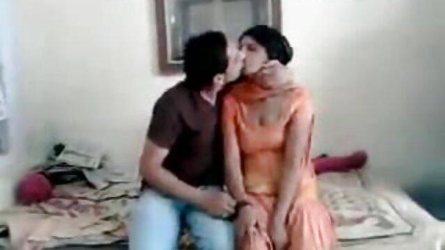 वीलीस सालोप्स सेक्सी हिंदी मूवी में 16 बीवीआर