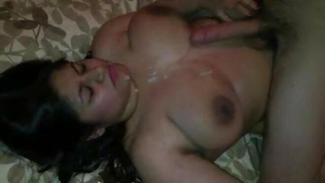हॉट बेब्स सेक्सी वीडियो एचडी मूवी हिंदी में दिखा सेक्स पार्टी में पागल डांस