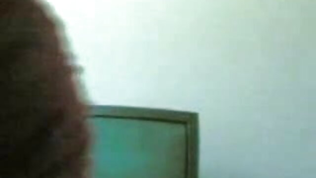 सफेद मोजा मूवी सेक्सी फिल्म वीडियो में आकर्षक