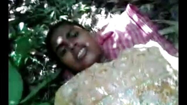 वह sIeeps करता है जबकि उसकी लड़की धोखा देती सेक्सी वीडियो एचडी मूवी हिंदी में है