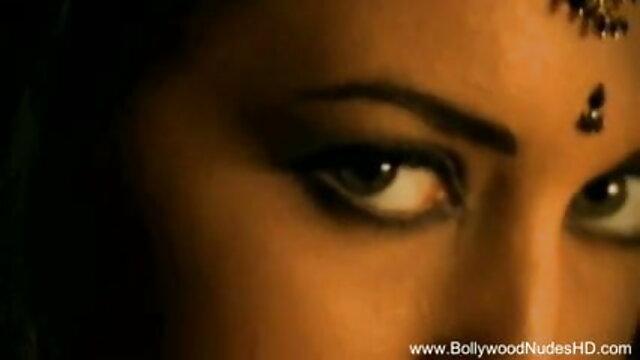 मोनिका गर्म परिपक्व एमआईएलए मूवी सेक्सी हिंदी में वीडियो