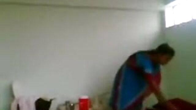 बहुत बड़े स्तन के साथ अद्भुत एमआईएलए मूवी सेक्सी फिल्म वीडियो में
