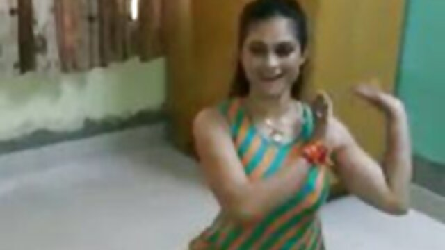 पत्नी उसके एचडी सेक्सी मूवी हिंदी में पति के सामने आदमी द्वारा गड़बड़ हो जाता है