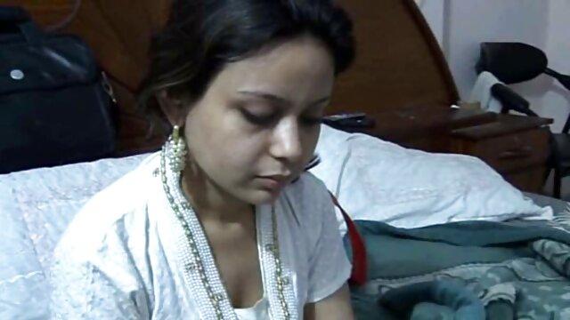 युवा स्टड द्वारा हिंदी में सेक्सी फिल्म मूवी पीछे से घुसा जाओ