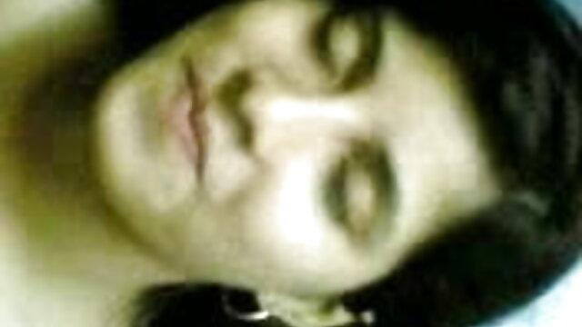 बुढ़िया को अच्छा हिंदी में सेक्सी मूवी एचडी लगा
