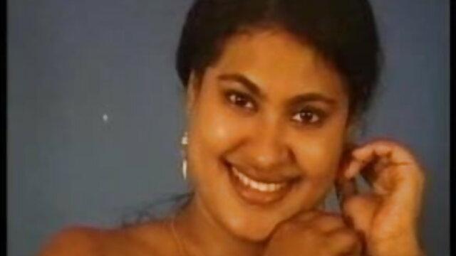 बड़े विशाल प्राकृतिक स्तन स्तन हिंदी सेक्सी मूवी वीडियो में हस्तमैथुन