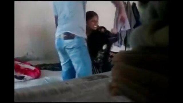 सेक्सी पर्पल लहंगे में सनी लियोन सनी सेक्सी मूवी मूवी हिंदी में लियोन