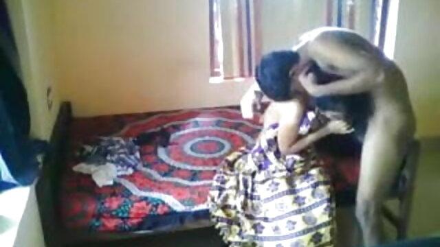 डोमिनिका एक नेथली स्नान हिंदी में सेक्सी मूवी वीडियो में में एक दूसरे को नचाती है