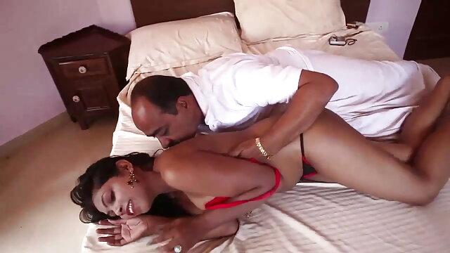 बेब नताशा व्हाइट मुर्गा के सेक्सी मूवी एचडी हिंदी में लिए भूखी है