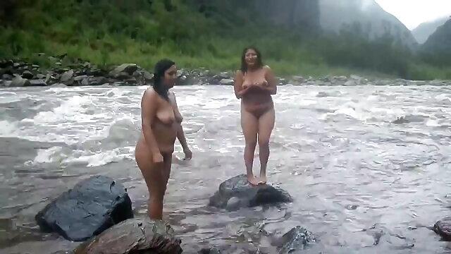 बड़े स्तन सेक्सी फिल्म मूवी में हस्तमैथुन