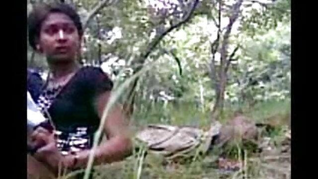 मोटी सेक्सी फिल्म फुल एचडी में सफेद लड़की लानी