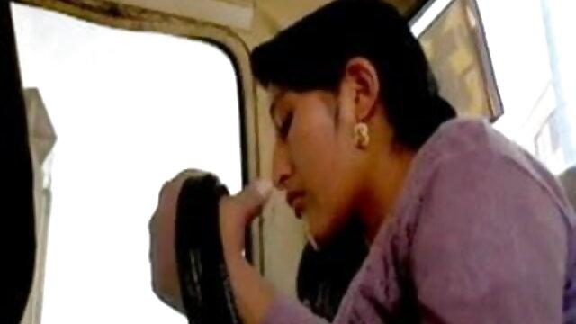 पैर छेड़ना, अच्छी फुहार लगाना हिंदी फिल्म सेक्सी एचडी में