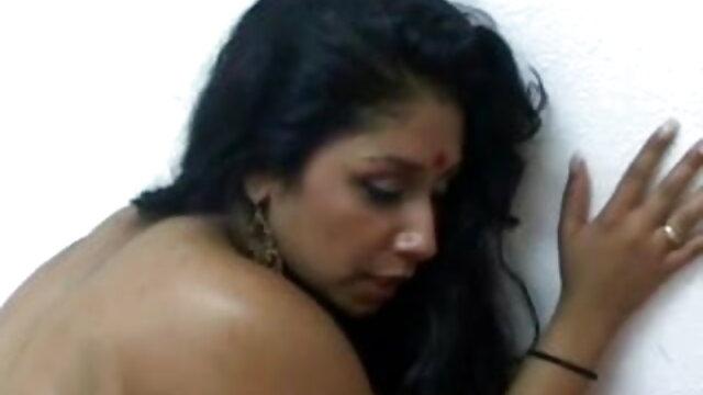मैंडी - चुदाई के लिए भुगतान हिंदी सेक्सी मूवी वीडियो में करना