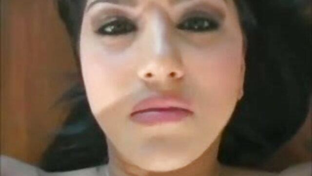 मिस डी हिंदी में सेक्सी मूवी फिल्म # पीली ड्रेस में