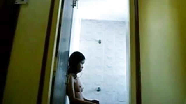 पतली लैटिना किशोर गुदा सेक्स की मूवी हिंदी में