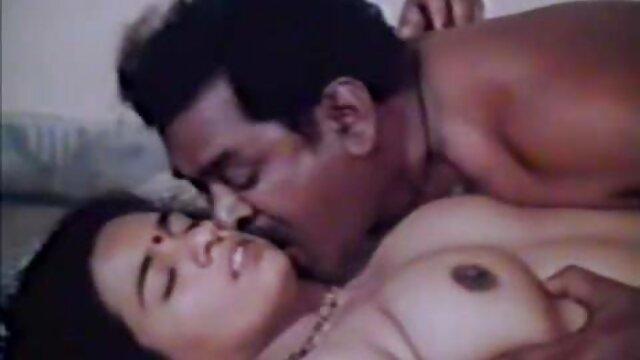 रोलरब्लैड पर एशियाई आकर्षक सेक्सी मूवी दिखाइए हिंदी में