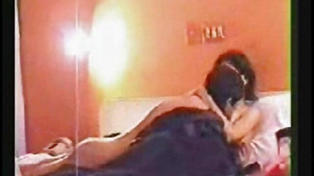 बिल्कुल सही शरीर के सेक्सी मूवी फिल्म हिंदी में साथ मुश्किल कमबख्त माँ
