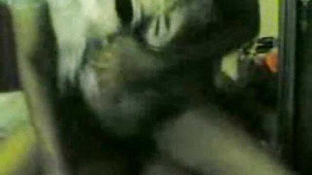 एक सेक्सी मूवी हिंदी में सेक्सी मूवी अजनबी के कार्यालय में कमबख्त