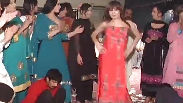 बस्टी विक्सेन डबल टीम सेक्सी वीडियो हिंदी मूवी में हो जाता है