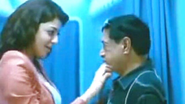 BBW हिंदी में फुल सेक्सी फिल्म वेब कैमरा पर उसे ब्लैक बुल कमबख्त