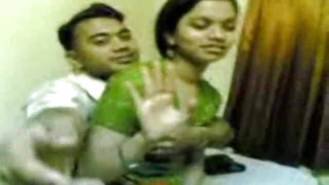 स्लिम श्यामला सेक्सी एचडी मूवी हिंदी में इसे पीछे से पसंद करती है