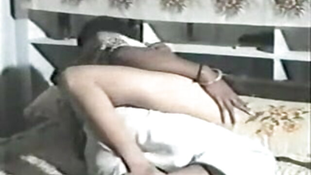 साटन सेक्सी फिल्म फुल एचडी में ब्लाउज fivesome