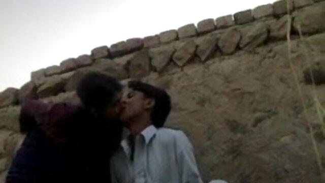 गोल हिंदी में फुल सेक्स मूवी लूट के साथ सौंदर्य उसे बिल्ली बाहर सड़क पर पटक दिया जाता है