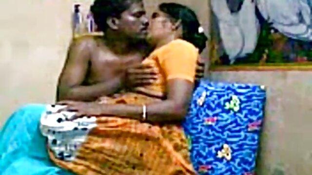पापा - थोडा थप्पड़ क्या करते हो हिंदी में सेक्सी वीडियो फुल मूवी