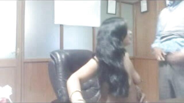 निकोल के साथ सेक्सी हिंदी मूवी वीडियो में अंतरजातीय गैंगबैंग