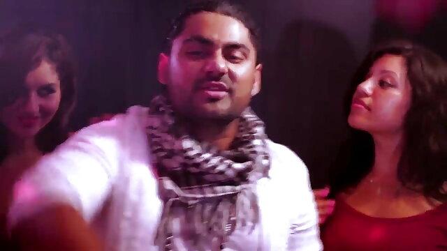 त्रिगुट सेक्सी वीडियो में हिंदी मूवी और एक creampie