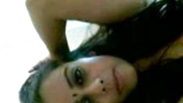 बिस्तर हिंदी में सेक्सी पिक्चर मूवी पर सुनहरे बालों वाली लड़की गुदा