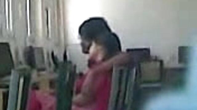 पापा मूवी सेक्सी फिल्म वीडियो में - एक कुर्सी में सेक्स