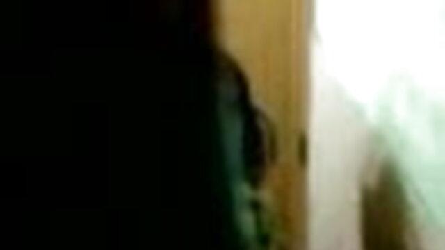 क्लासिक दादी सेक्सी वीडियो हिंदी मूवी में मूवी R20