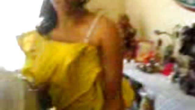 गोरा हिंदी फिल्म सेक्सी एचडी में मुखड़ा