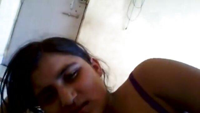 खिड़की के सामने ऑस्ट्रेलियाई युगल हिंदी में सेक्सी मूवी वीडियो में कमबख्त