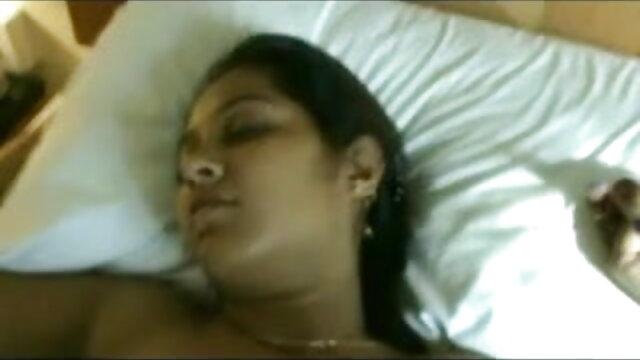 बांग्लादेशी पति के सेक्सी में हिंदी मूवी करीबी दोस्त के साथ पत्नी को धोखा