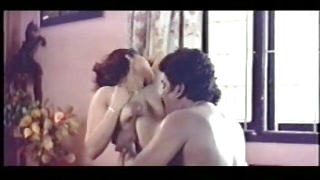 ब्यूटीशियन द्वारा हिंदी सेक्सी मूवी वीडियो में बंधे