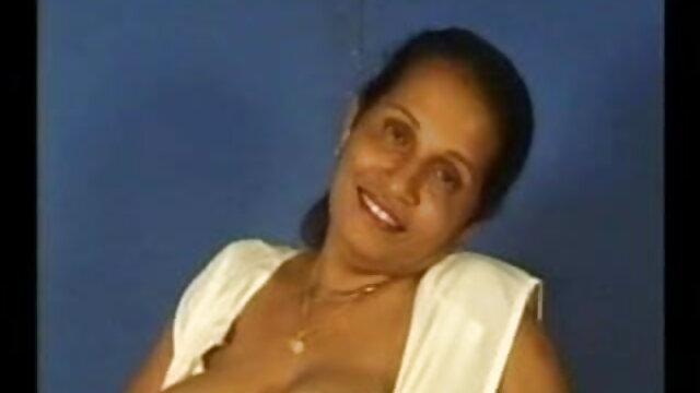 मेरा सबसे अच्छा दोस्त मेरी माँ को चोदता मूवी सेक्सी हिंदी में वीडियो है