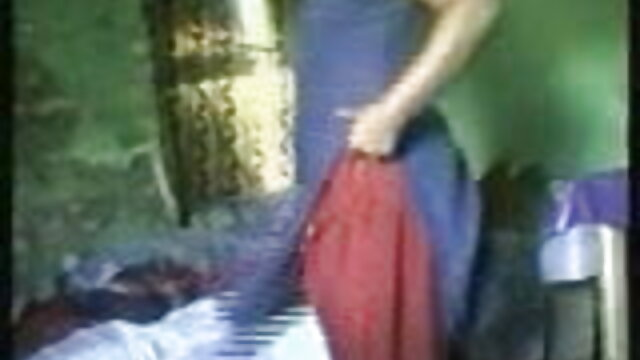 पढ़ते समय Footjob सेक्सी मूवी हिंदी में फुल एचडी